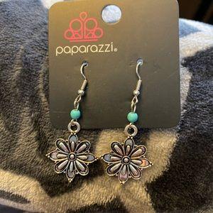 (5 for $15) Paparazzi flower earrings
